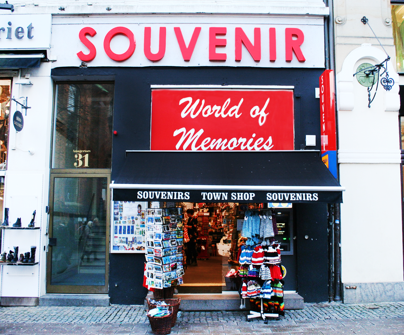 Souvenir - World of Memories, Amagertorv 31, Stroeget
